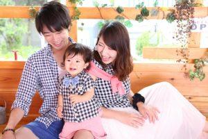家族と笑顔で過ごす