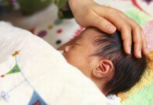 睡眠中の赤ちゃん