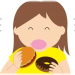 間食する女性