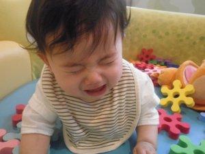 泣きだす赤ちゃん